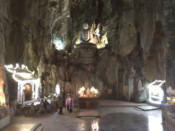 Cueva de Huyen Khong