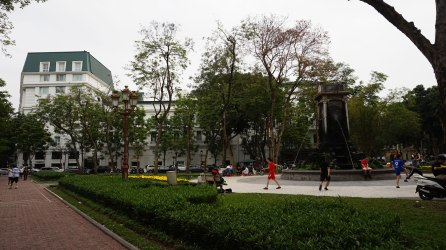 Plaza Ly Thai To