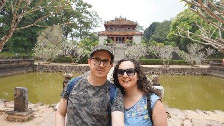 N&R con el Pabellón de Minh Lau