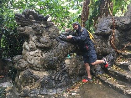 Escaleras de acceso a Thuy Son